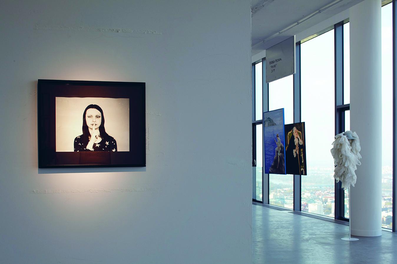 """Zdjęcie z wystawy sztuki """"Wolności"""". Źródło: Materiały prasowe Fundacji Razem Pamoja"""