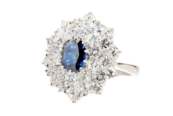 Sapphire and diamond cluster ring 2nd half of the 20th Century